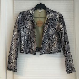 HONEY PUNCH NWT faux leather cropped python jacket